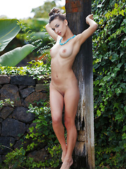 Gloria Sol shows off her smoking hot body outdoors.