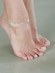 Lina Napoli dancing feet