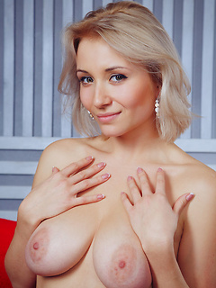 Hotty Girl Pussy Isabella D